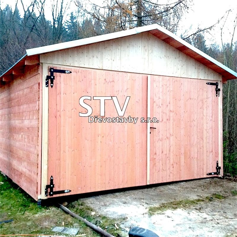 Dřevěná garáž zateplená
